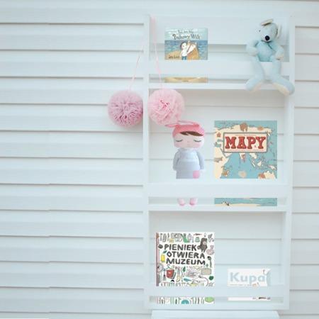 Półka na książki – biblioteczka wąska, kolory